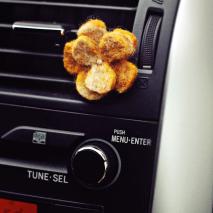Aromaterapinis rinkinys automobiliui:  vilnos gėlytė + BIO OASIS aromatas